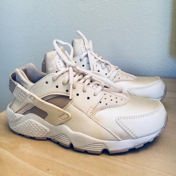 Nike Shoes - Nike Huraches